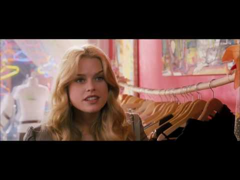 She's Out Of My League - Trailer HD