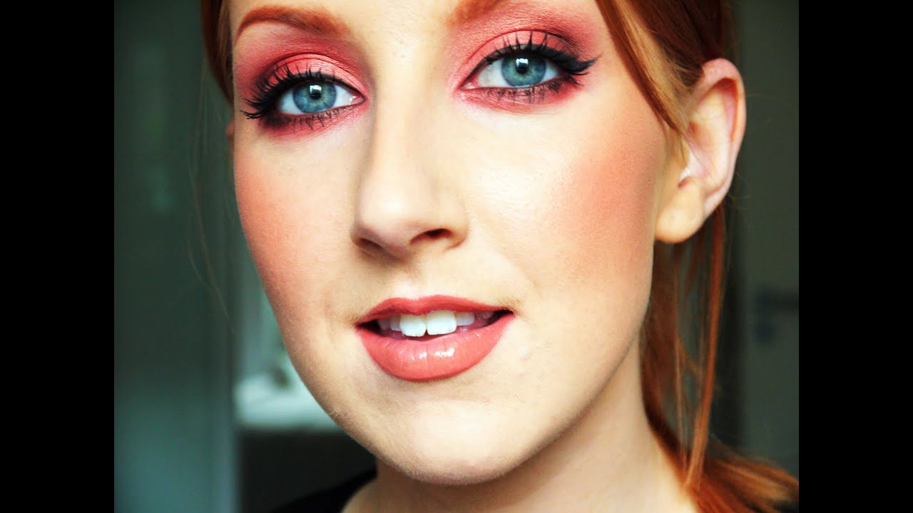 Red hair green eyes makeup