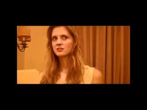 Oyle Bir Gecer Zaman Ki Caroline erotik videosu -www.showbiznes.ucoz.net.flv