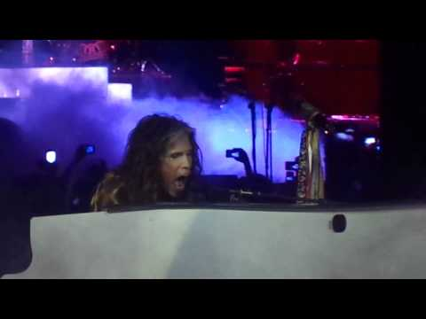 Aerosmith Live in Manila - Dream On