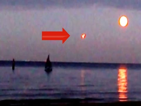 Russia At War With UFOs? Weird Lights Over Baltic Sea AGAIN! UFO Sightings