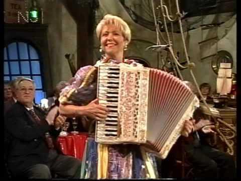 Christa Behnke  Weltmeisterin auf dem Akkordeon  ( Volle Pulle )  Lüders Krug