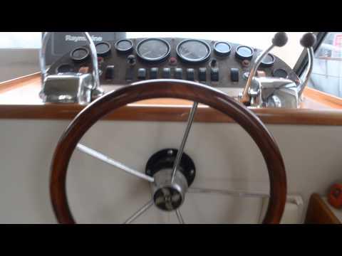 Marine Auctions - Riviera 34 Platinum Flybridge Cruiser