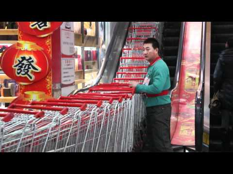 Amazing Chinese Trolley Transporting