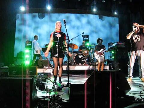 Music video The B-52s - Quiche Lorraine - Music Video Muzikoo