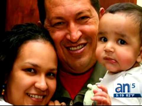 Publican fotos privadas de la familia de Hugo Chávez - América TeVé