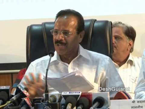 Railway Minister D. V. Sadananda Gowda adddressing media in