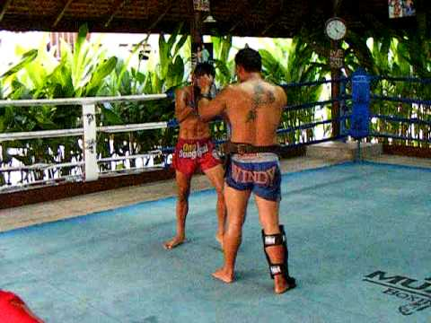 MUAY THAI TRAINING AT BAAN KAI MUAY Image 1