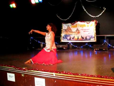 Dhivya Akka Dance (radhe Manathil) - Tamil New Year 2011 video