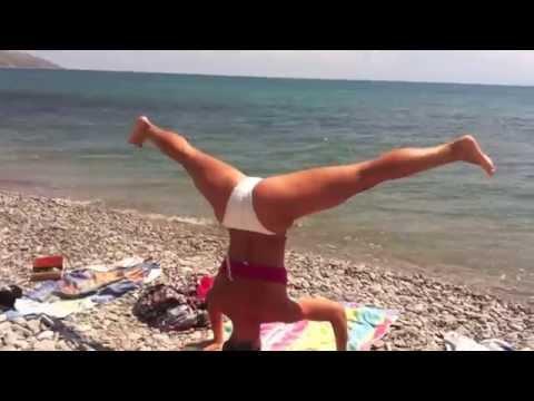 Bubble Butts Beach Twerk