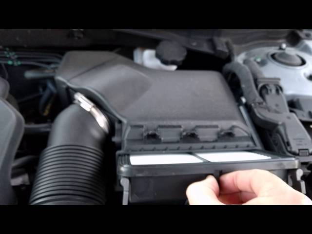 [How To] Change Engine Air Filter on 2015 Hyundai Sonata ...