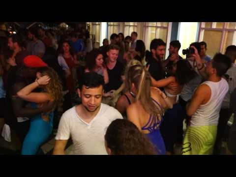 00083 ZoukMX 2016 Social dancing Paulo Mac in concert 8 ~ video by Zouk Soul