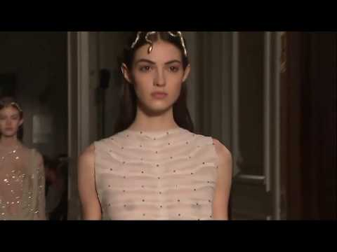 Valentino catwalk videolike for Couture meaning in english