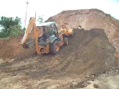 retro escavadeira trabalhando