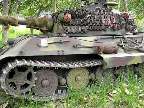 1/4 scale RC King Tiger Tank Königstiger Fires into the Wood