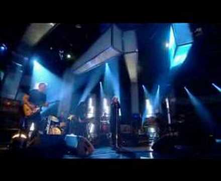 Portishead - We Carry On (Live on Jools Holland)