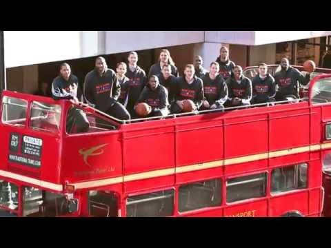 Knicks and Bucks Take Their Team Photos in London!