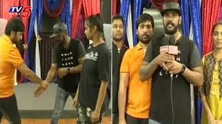Martial Arts Player Vivek Teja Trains Self Defence Techniques to Women in Dallas