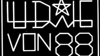 Watch Ludwig Von 88 Je Suis Un Evade video