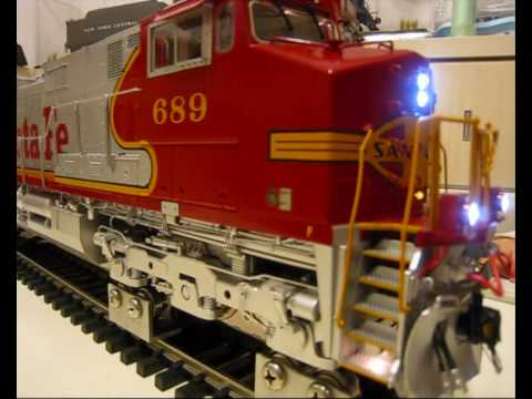 AristoCraft Santa Fe G scale Dash 9 locomotive running test