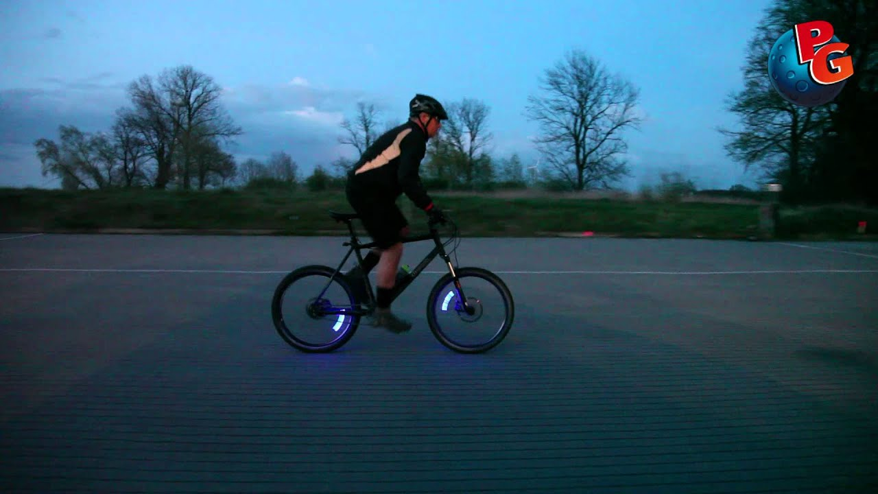 lichtrad led ventilkappen f r s fahrrad youtube. Black Bedroom Furniture Sets. Home Design Ideas
