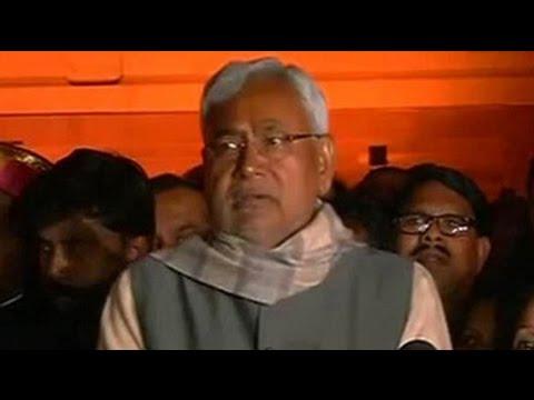 Nitish Kumar parades 128 Bihar lawmakers before President Pranab Mukherjee in Delhi