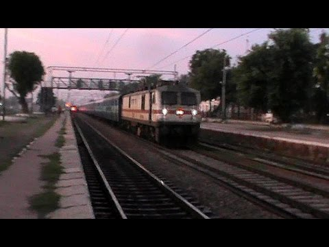 Scorching TKD WAP-7 Mewar Superfast goes lethal at the crack...