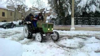 Drifting avec tracteur sur la neige