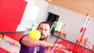 7contact bodyrolling (contact juggling)