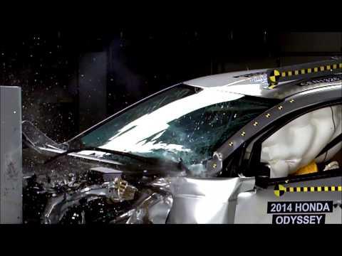 Honda Odyssey 2013, краш-тест