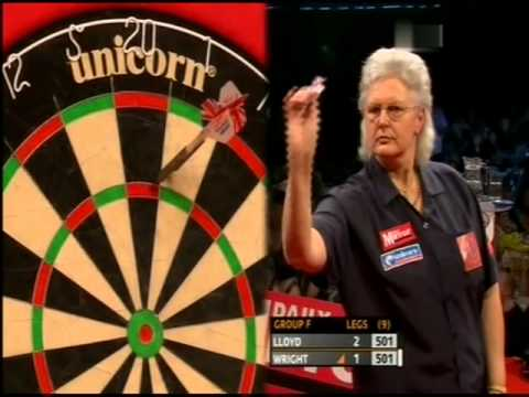 PDC Grand Slam of Darts 2010 - Poule F- Lloyd VS (Tricia) Wright