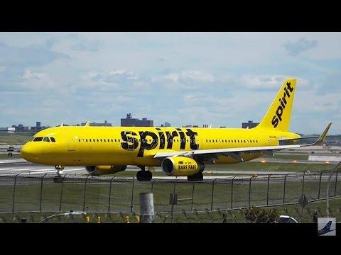 40 Minutes Plane Spotting - New York LaGuardia Airport (LGA) Busy Monday!