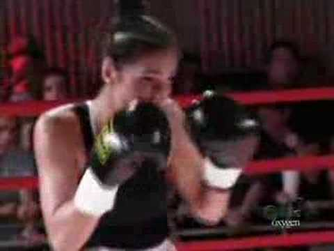 Felice vs. Gina- Thai boxer babes battle it out