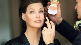 Dolce & Gabbana Lift Foundation con Linda Evangelista