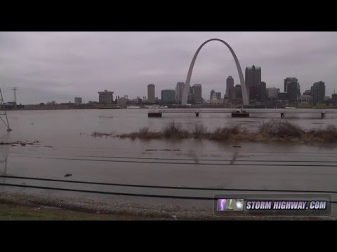 Sandbagging effort in St. Louis to protect against rising floodwater, December 29, 2015
