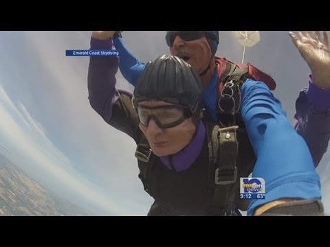 90-year-old woman skydives in Elberta