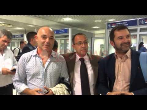 """Fevziu: Si na bënë """"terroristë"""" vetëm prej dy shallëve kuq e zi- RTV Ora News- Lajmi i fundit-"""
