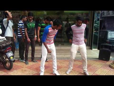 download ore oru sollil music video vetti pasanga