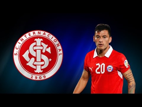 Charles Aranguiz ● All Goals, Assists & Defending - 2014 ● SC Internacional