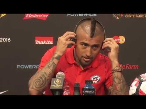 Los chascarros de Arturo Vidal en conferencia de prensa