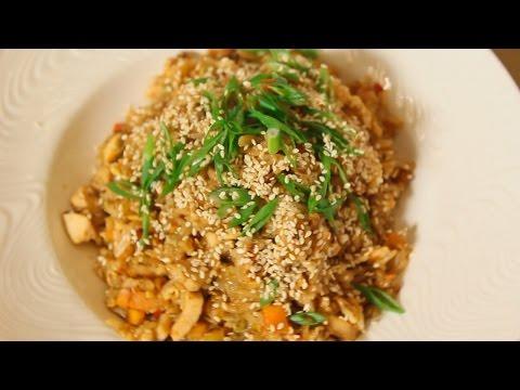 Рис с овощами и курицей в азиатском стиле. Рецепт от шеф-повара.
