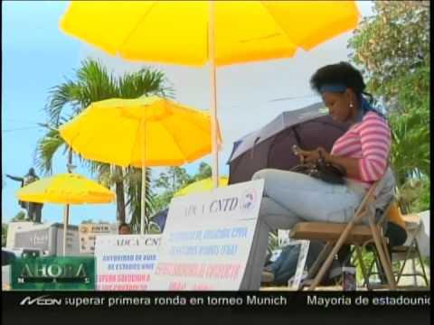 Frente al Palacio Nacional  permanecen los controladores aéreos a espera de respuestas del gobierno