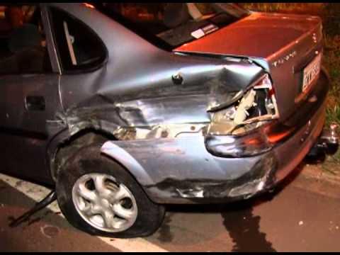 Quatro veículos se envolvem em acidente na BR-050