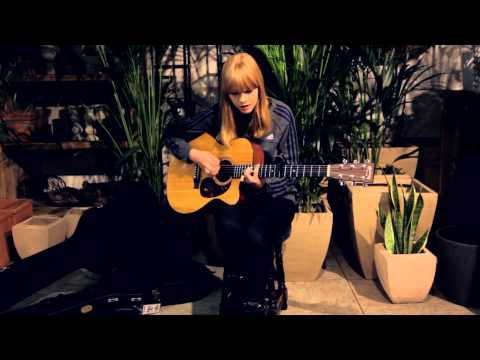 Bedroomdisco TV: Lucy Rose - Shiver