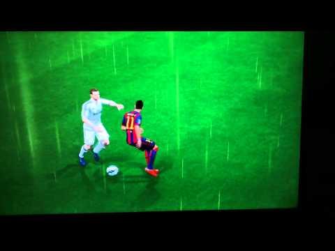Caneta sensacional De Neymar em illarramendi FIFA15