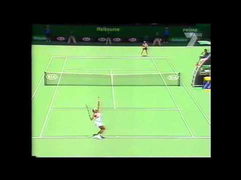 Venus Williams v Lisa Raymond Australian Open Highlights