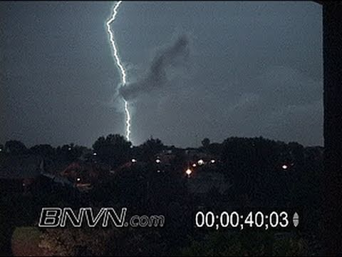 8/4/2005 Dramatic Lightning Video
