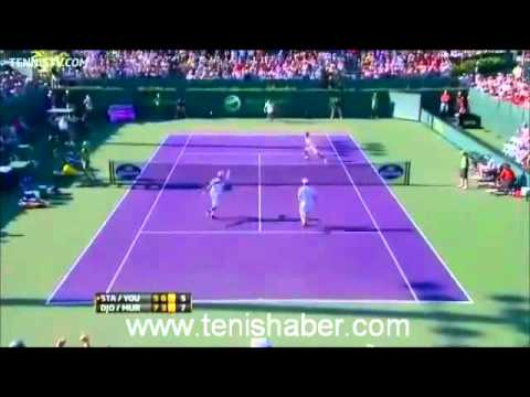 Andy Murray - Novak Djokovic vs Mikhail Youzhny - Sergiy Stakhovsky Amazing point and probably best double point of the double tennis history so far http://w...