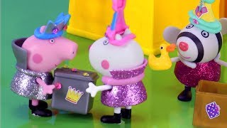 Peppa Pig English Episodes | What's inside Peppa's Secret Surprise Box? | Peppa Pig Official | 4K