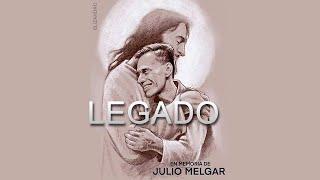 Hijos de Julio Melgar y sus músicos dan palabras de agradecimiento y despedida.